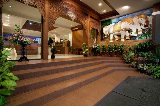 Bua Raya Hotel: lobby