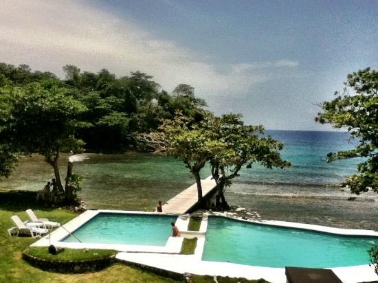 The Resort at Wilks Bay: Pool area