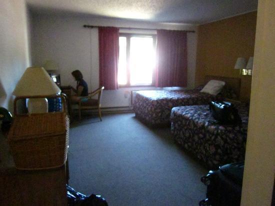 Country Hearth Inn - Iron Mountain : Room 2