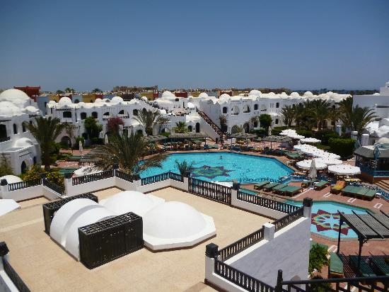 kleiner pool vom balkon aus picture of arabella azur resort hurghada tripadvisor. Black Bedroom Furniture Sets. Home Design Ideas