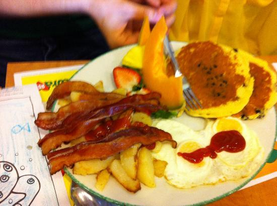 Cora - Sunridge Mall: bacon overload