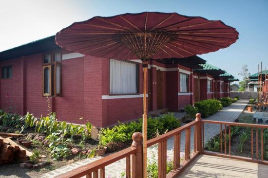 PYI Guesthouse and Restaurant : Outside