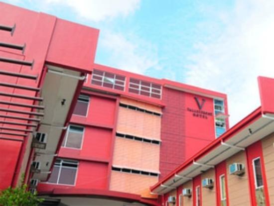 Valleyfront Hotel: Facade