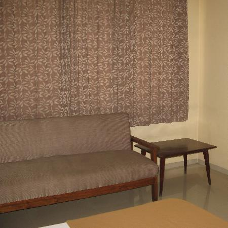 OYO 1194 Hotel Gulmohr: Spacious Bedrooms