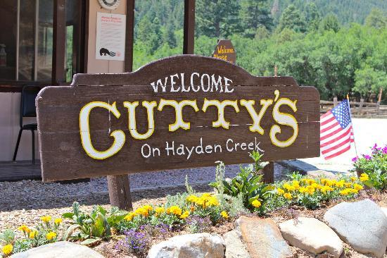 Cruise Inn - Cutty's Hayden Creek Resort: Welcome Sign