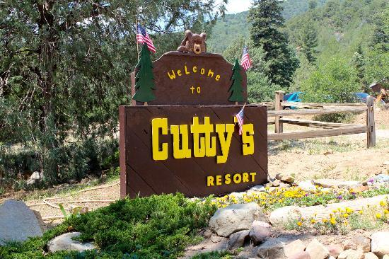 Cutty's Hayden Creek Resort - A Cruise Inn Park: Welcome sign