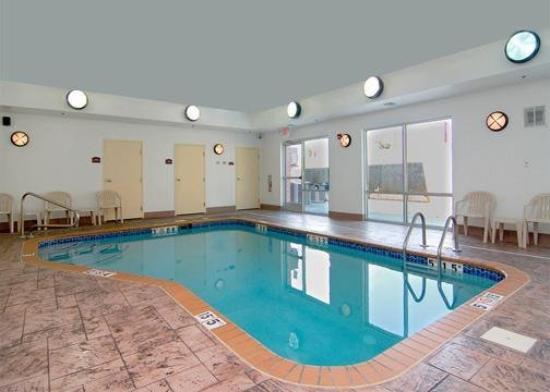 Comfort Suites Huntsville: Pool