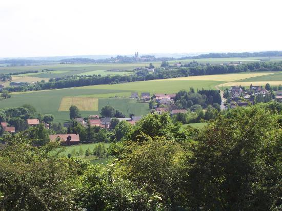 Abbaye de Mont-Saint-Eloi: Les tours vues depuis Notre-Dame de Lorette