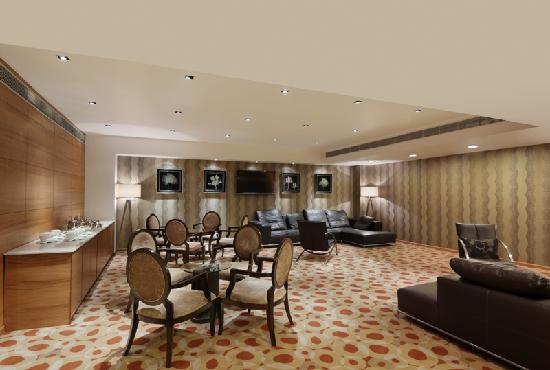 Ramada Gurgaon Central: Executive Club Launge
