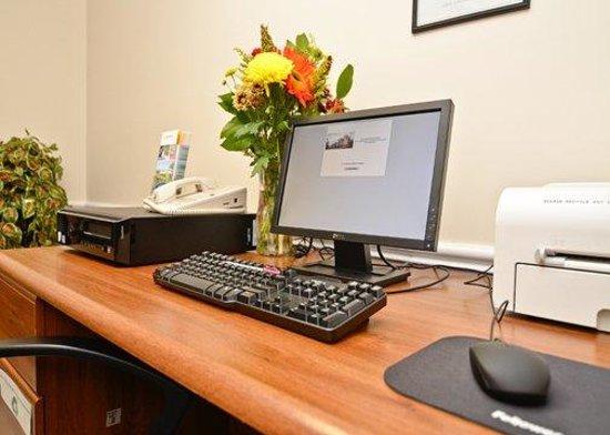 Comfort Suites : Business Center