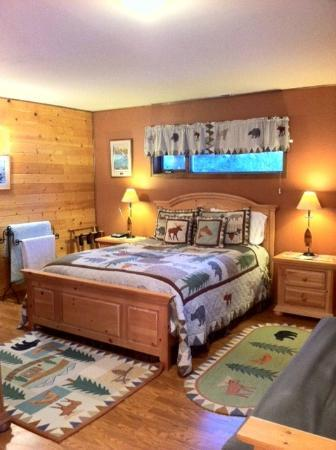 Talkeetna Chalet Bed & Breakfast: Mountain Whispers Suite