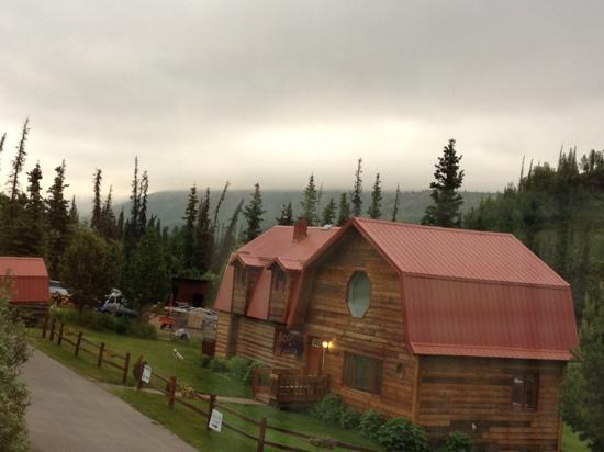 Tundra Rose Guest Cottages: cottages with mountain view
