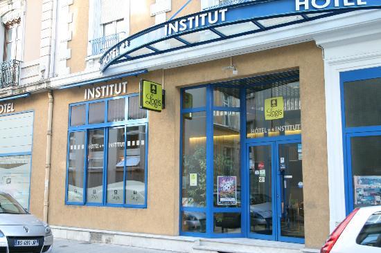 Logis Institut Hotel : Façade de l'hôtel