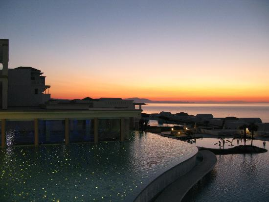 Atrium Prestige Thalasso Spa Resort and Villas: View from lobby
