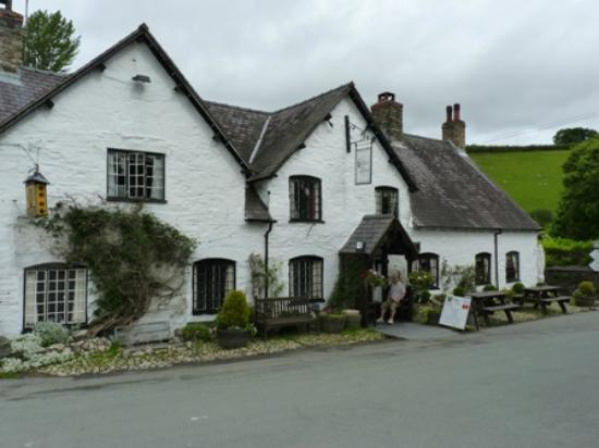 The West Arms Hotel: West Arms