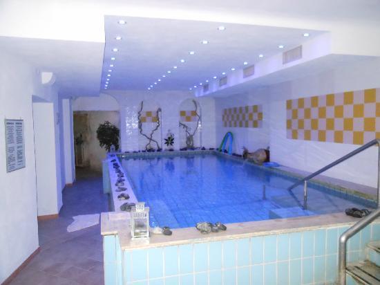 Hotel Bellevue Benessere e Relax: piscina interna