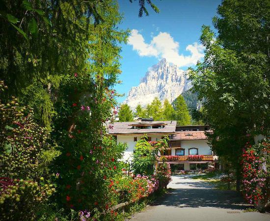 San Vito di Cadore, Italia: Vista ingresso parcheggio