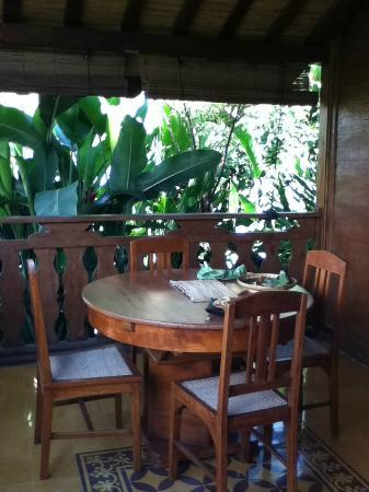Jadul Village Resort & Spa: the small dining table in the terrace