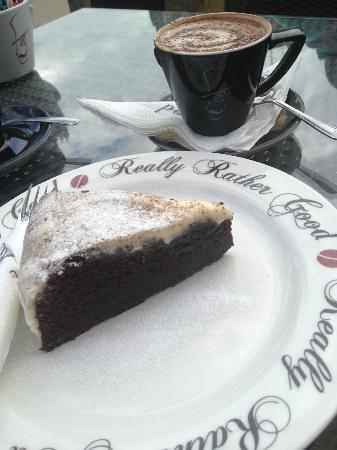 Really Rather Good: Chocolate & Guinness cake