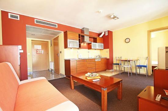 Capital Apartments Wroclaw: Wroclaw Apartment, Wita Stwosza
