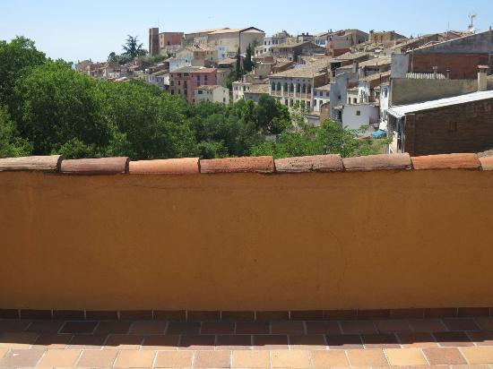 Hotel Hostal Sport : Vistas desde la terraza a Falset desde la habitación