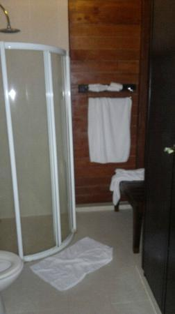 Samui Paradise Chaweng Beach Resort: Shower corner of Grand Deluxe Villa
