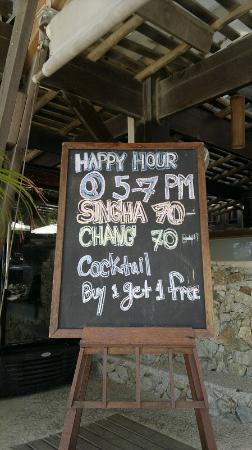 Samui Paradise Chaweng Beach Resort : Special offers at the pool bar