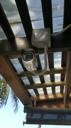 Samui Paradise Chaweng Beach Resort : Security camera at the pool bar