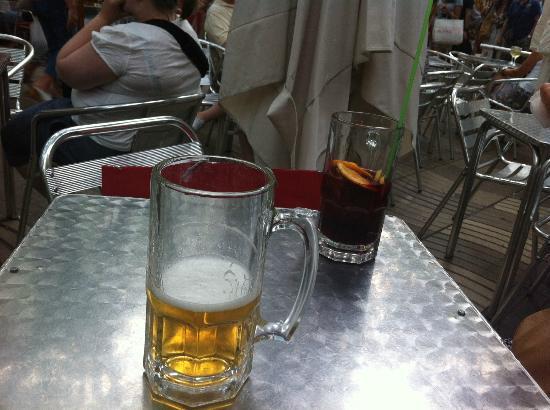La Baguetina Catalana : 20€ pour des boissons sans saveur avec un service et cadre médiocre et que dire de la présentati