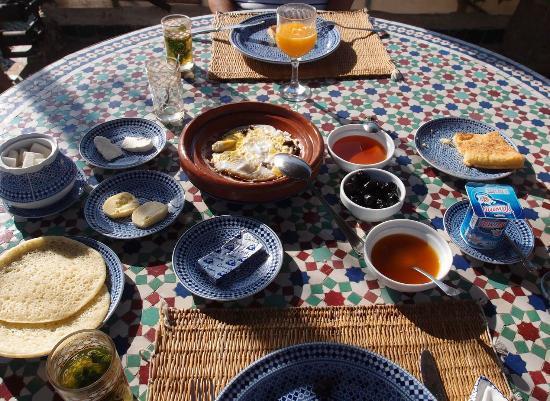 Riad Ghita: petit déjeuner TRES copieux et savoureux