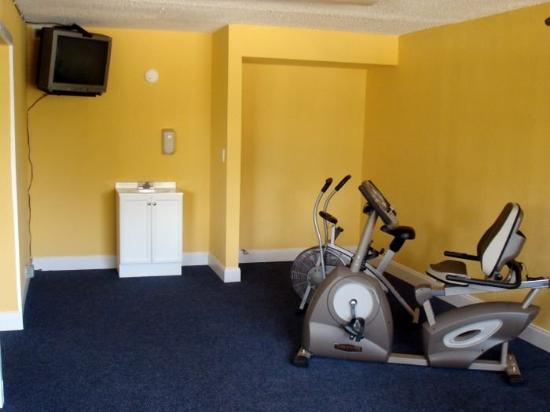تروبيكال إن ريزورت: Fitness Room