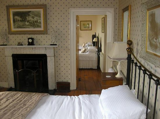 The Old Priory Bed and Breakfast: Looks through to the children's room.