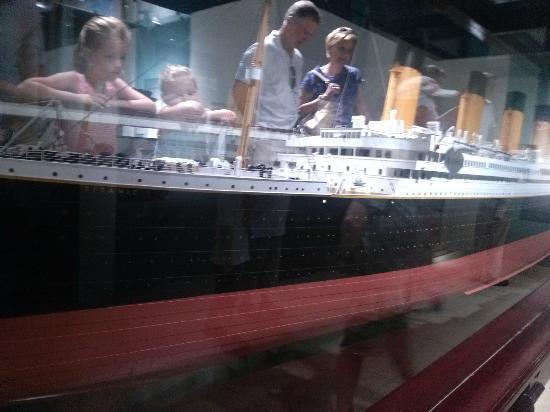National Geographic Museum: titanic exhibit