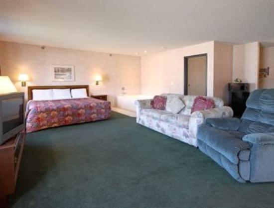 Americas Best Value Inn- Ozark/Springfield: Jacuzzi Suite