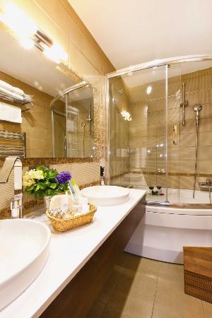 Emerald Hotel: Suite