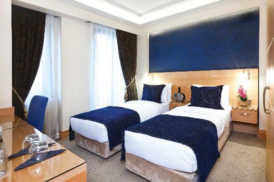 Emerald Hotel: Superior Room