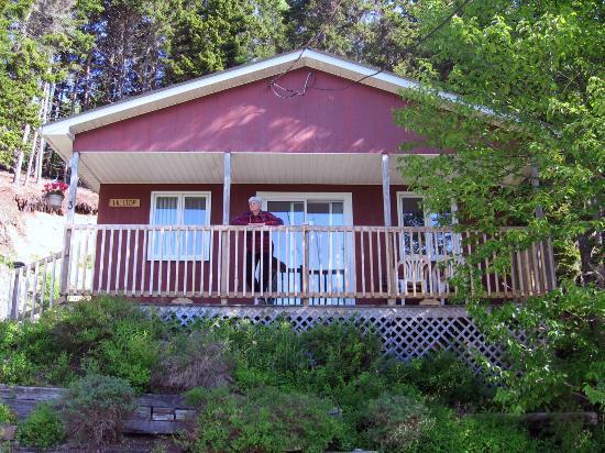 Bayview Chalets & Motel: Hilltop Chalet