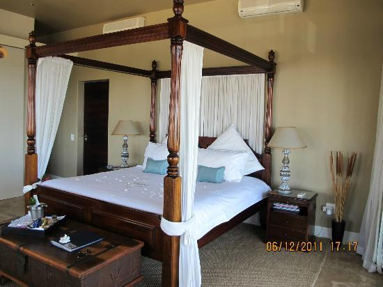 51 On Camps Bay Guesthouse: The Bed