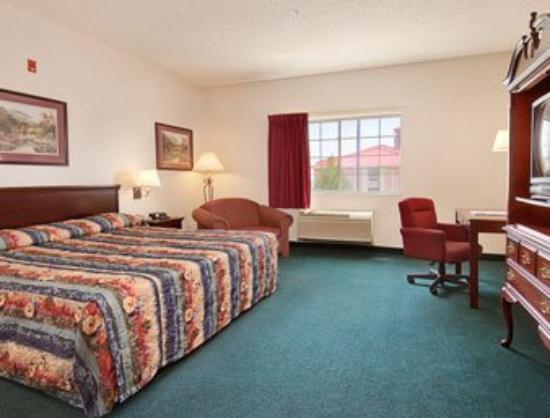 Days Inn Englewood Denver Tech Center: Standard King Bed Room