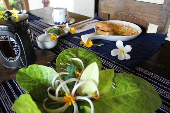 Boracay Private Mt. Casitas Villa: Breakfast prepared by Pat and her team