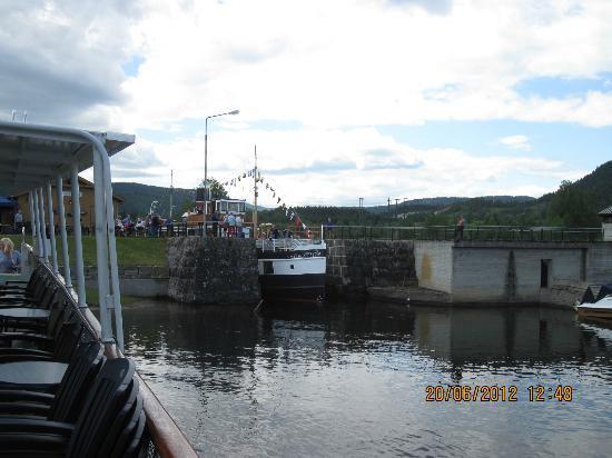 The Telemark Canal: Il superamento di una chiusa.