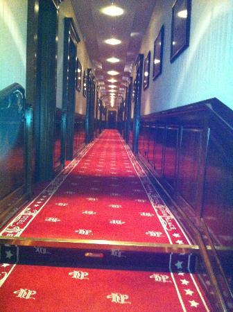 Kebur Palace Hotel: Hotelkorridor