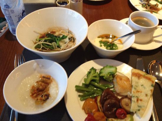 Minshan Hotel: 食器も綺麗です