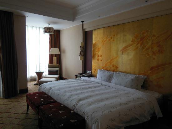 Goodview Hotel Tangxia: inside room