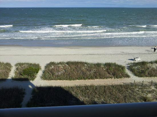 BEST WESTERN PLUS Grand Strand Inn & Suites: Upon arrival this was what greeted me from my balcony.