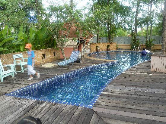 River Resort & Spa: Pool is smallish but very clean