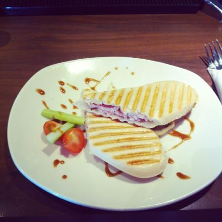 Mode: bacon and Brie panini