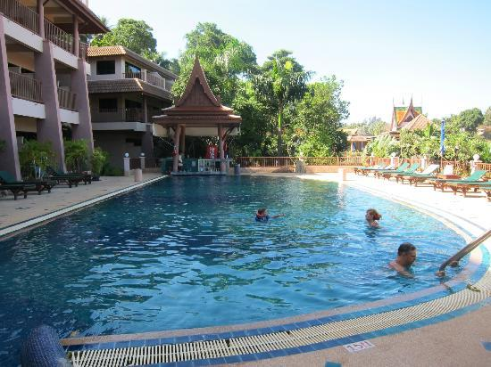 Pool picture of chanalai garden resort kata beach for Pool garden resort argao