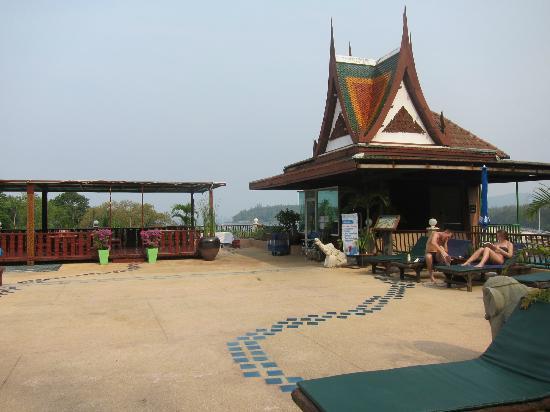 Chanalai Garden Resort: pool