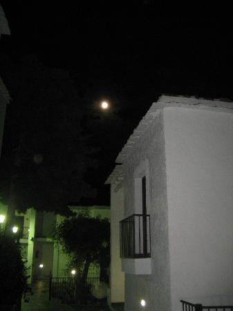 Hotel Villa de Bubion: Luna llena desde el hotel